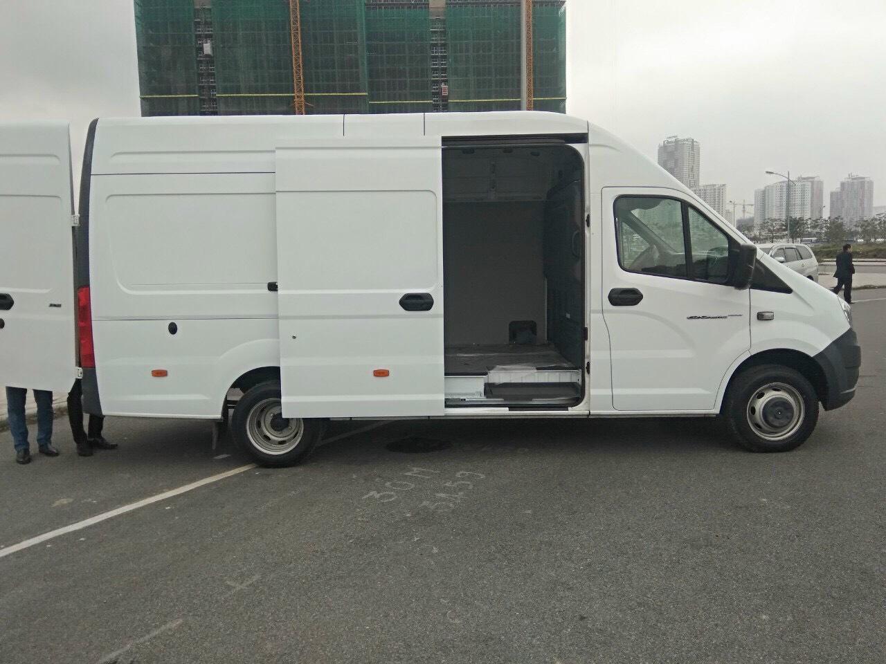 Xe tải van Gaz 3 chỗ 670kg - nhập khẩu Nga