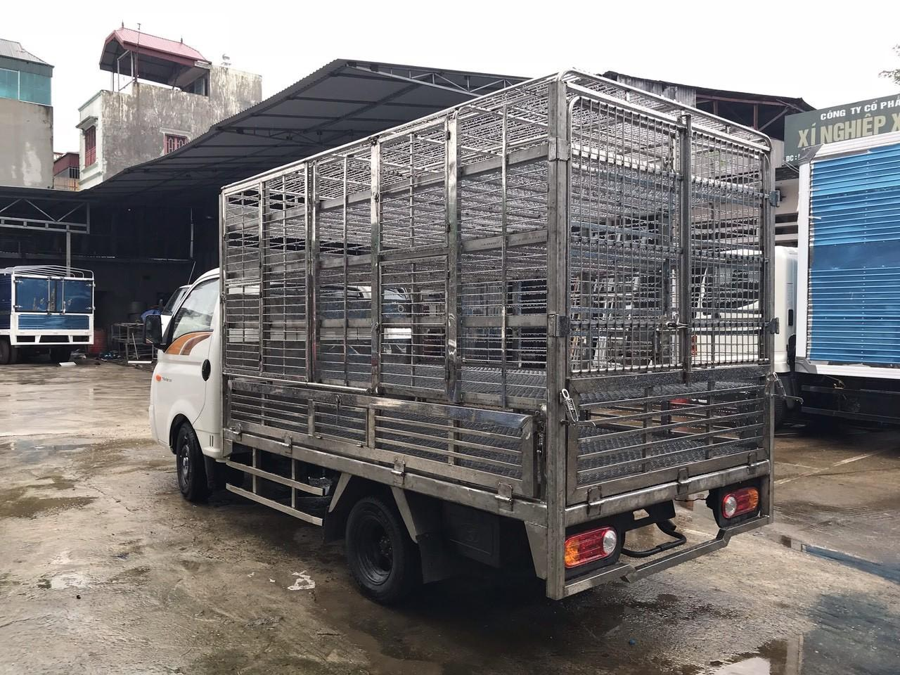 Xe tải Hyundai H150 chở gia cầm gà, vịt * tải trọng 1.5 tấn *