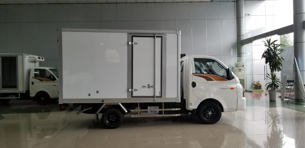 xe hyundai H150 1,5 tấn thùng composite - 2021