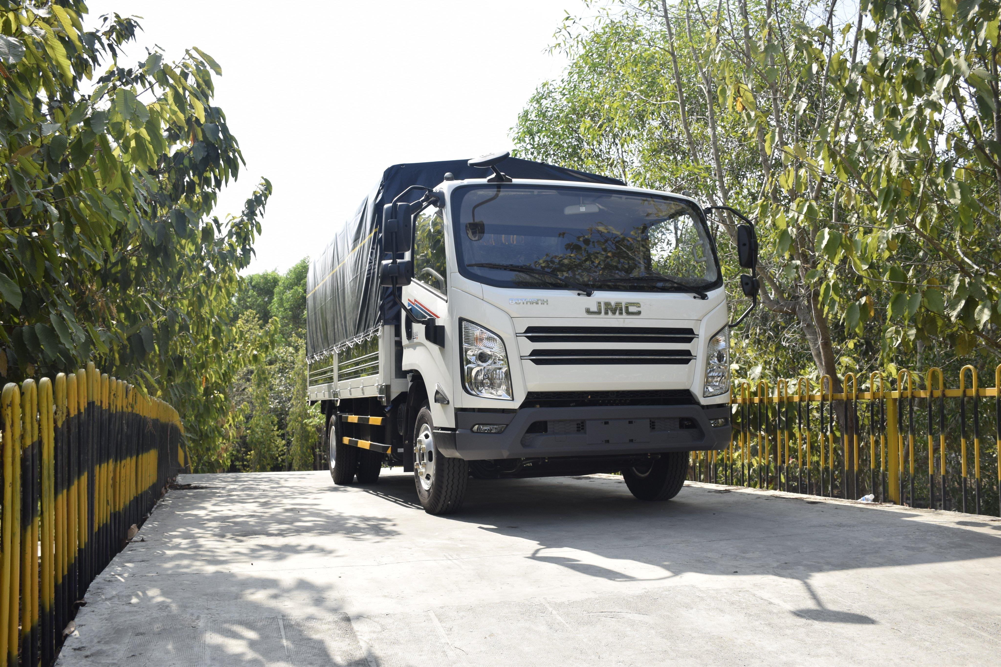 Đô Thành ra mắt sản phẩm mới IZ650SE tải trọng 6.5 tấn