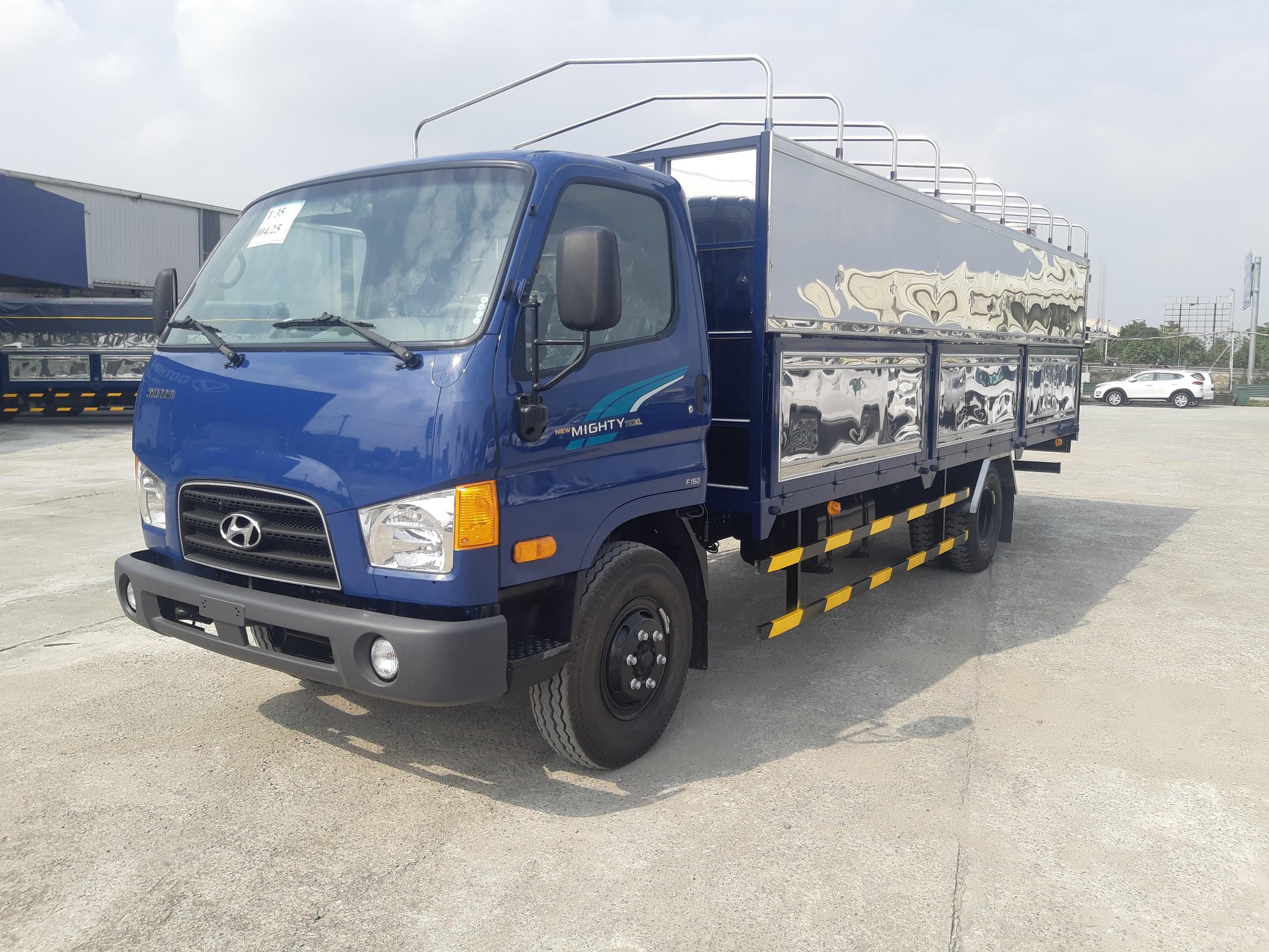 Xe tải 7 tấn Hyundai Mighty 110XL * thùng bạt dài 6m3 * 2021