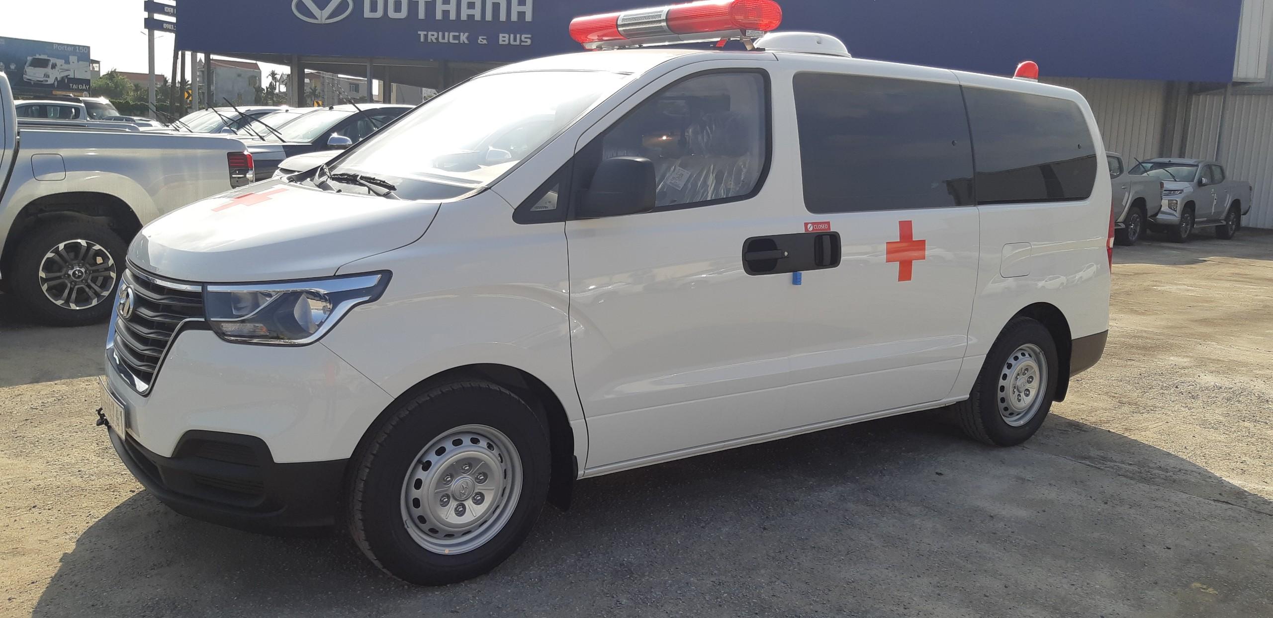 Xe Hyundai Starex cứu thương nhập khẩu - 2021